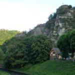 Blich auf das Schwarze Kreuz mit Aussichtspunkt hoch über Altenahr